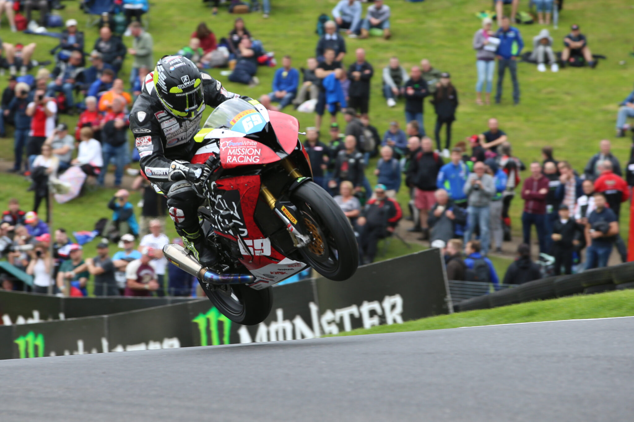 Chrissy Rouse cadwell park mountain